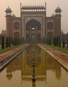 ENTRADA TAJ MAHAL Agra, Travel Around The World, Around The Worlds, Taj Mahal, Lets Run Away, Beautiful Places In The World, Amazing Places, Incredible India, Sculpture