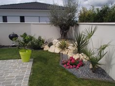 Réalisation d& massif par Geoffrey JOUAN Paysagiste - Backyard Garden Design, Small Backyard Landscaping, Garden Landscape Design, Landscaping With Rocks, Landscape Rocks, Landscape Plans, Backyard Patio, Landscaping Ideas, Outdoor Garden Furniture