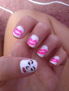 Marilyn Monroe nail art #marilyn #monroe #lips #love