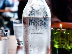 Sladkosti a nápoje - Přiřaď slova k obrázkům | Online jazyky.cz Vodka Bottle, Vase, Drinks, Drinking, Drink, Vases, Cocktails, Jars