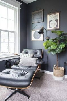 Masculine Home Office Home Tour. Modern classic home tour of a masculine home office with simple, stylish decorations. Home Office Design, Home Office Decor, Office Ideas, Interior Office, Office Designs, Modern Office Decor, Modern Offices, Ikea Office, Office Inspo