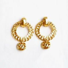 ©miri_mari - Large Oversized Vintage CHANEL CC Dangle Earrings in excellent condition #vintageCHANELearrings #vintageCHANELbrooch #vintageCHANEL #vintageCHANELnecklace