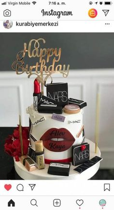 66 Ideas Birthday Cake Woman Sweet 16 For 2019 - birthday /Communion/ Christmas cakes n tutorials - Kuchen 30th Birthday Cake For Women, Adult Birthday Cakes, Cool Birthday Cakes, Birthday Woman, Birthday Cake Ideas For Adults Women, Birthday Ideas, Designer Birthday Cakes, Cupcake Birthday, Designer Cakes