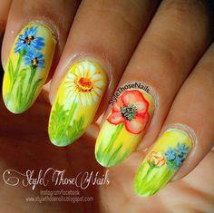 Style Those Nails: Summer Garden- Floral Nails #summernails #flowernails