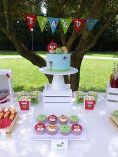 Peaceofcake ♥ Sweet Design: dessert table | Angry Birds