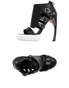 ALEXANDER MCQUEEN Sandals. #alexandermcqueen #shoes #凉鞋