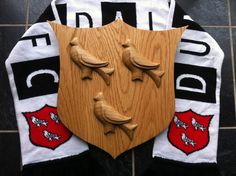 Hand carved in Irish Oak, by T. Woodcarving, Pot Holders, Hand Carved, Irish, Handmade, Hand Made, Hot Pads, Irish Language, Wood Carvings