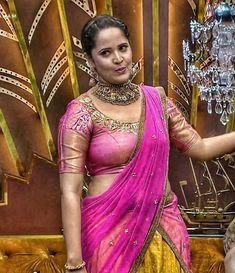 Side view in half saree Beautiful Blonde Girl, Beautiful Girl Indian, Most Beautiful Indian Actress, Beautiful Girl Image, Beautiful Actresses, Beautiful Saree, Beautiful Roses, Sonam Kapoor, Deepika Padukone