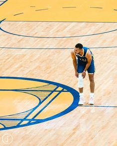 Basketball Art, Basketball Pictures, Basketball Players, Stephen Curry Wallpaper, Lawrence Taylor, Nba Wallpapers, Sports Images, New Month, New Opportunities