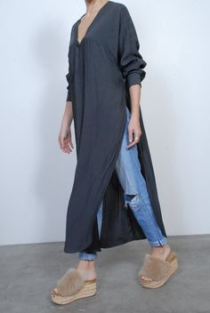 Smythe Side Slit Long Tunic- Carbon Essential Wardrobe Pieces, Cropped Blazer, Tailored Jacket, Menswear, Tunic, Layering, Fabric, Notes, Canada