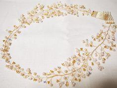. 小枝のかみかざり . @atsuko_wedding さん @kalon_design さま . に作っていただいたアクセサリー 【お姫様の涙】 とても繊細かつ、ゲストの方々からも 目を引く存在感があるアクセサリー ナチュラルな私のドレスにピッタリ でした . #小枝のかみかざり #小枝のアクセサリー #ヘッドドレス #ウェディングアクセサリー #小物合わせ #kalon #プレ花嫁 #ガーデンウェディング #ナチュラルウェディング