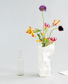 Paper vase by Pepe Heykoop