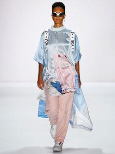 Sadak wollte mit seiner S/S 2016-Kollektion auf der Berlin Fashion Week 2015 provozieren.