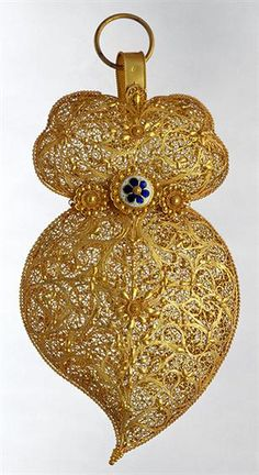 Portugal. Portuguese gold pendant, nineteenth century. #Portugal