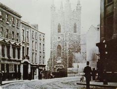 Cornmarket Dublin Photo could belong to Royal Society of Antiquaries of Ireland; or The National Library Archive Ireland Pictures, Old Pictures, Old Photos, Vintage Photos, Dublin Ireland, Ireland Travel, Irish Independence, Dublin Street, Irish Landscape