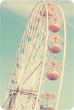 FOCUS: Ferris wheel. Could incorporate a Ferris wheel into wig or costume? We like the shape and structure of it.