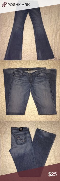 Rock & Republic Jeans 29 x 35 1/2 Long Rock & Republic Jeans 29 x 35 1/2 Long ...smoke free home if you have any questions let me know Rock & Republic Jeans