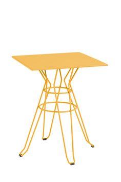 mesa CAPRI table