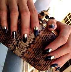Check out some really creative French manicure ideas and give a new twist to your classic nail art designs! French Manicure Nail Designs, Silver Nail Designs, French Nail Art, Manicure Ideas, Beautiful Nail Designs, Cute Nail Designs, Gold Nails, Black Nails, Nail Polish Art