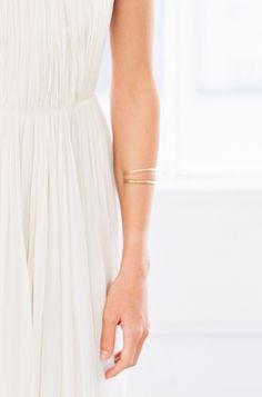 27-simple-weddingaccessories