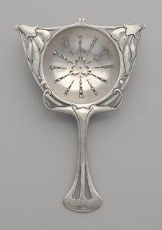 Art Nouveau Colador de té. Plata esterlina. Circa 1900-1910.
