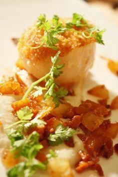 Panko Scallops on Sunchoke Puree & Crispy Potatoes (Benny Doro)