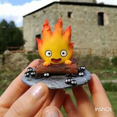 Calcifer figure under the sunlight This video was made in the garden of the castle of my town, Campo Ligure (Italy) #polymerclay #studioghibli #figure #miyazaki #handmade #isa_handmade #cute #kawaii #instagood #picoftheday #instagrammers #art #howlsmovingcastle