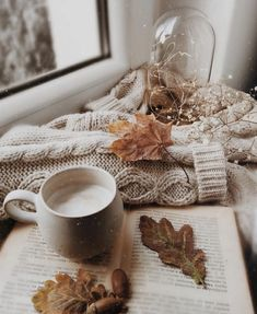 Cozy Vibes Sending out our love gratitude for every eve Gratitude, Cozy Aesthetic, Autumn Aesthetic Tumblr, Autumn Tumblr, Aesthetic Outfit, Aesthetic Vintage, Christmas Aesthetic Wallpaper, Photo Vintage, Autumn Cozy