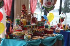 Dessert Table at a Circus Party #circusparty #desserttable