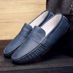 2017 Fashion Winter Fur Lined Men Suede Loafers Slip-on Gentlemen Moccasins Soft Bowknot Warm Plush Flat Driving Loafers Boat