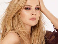 Drew Barrymore - nude lips