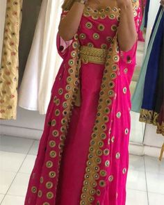 Mehndi Design Pictures, Mehndi Designs, Kaftans, Woman Clothing, Stylish Dresses, Traditional Dresses, Hijab Fashion, Kimono Top, Sari