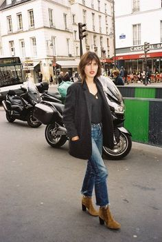 Roger Vivier's New Muse Jeanne Damas on How French Girls Do Fashion Week in Heels - Roger Vivier's New Muse Jeanne Damas on How French Girls Do Fashion Week in Heels Jeanne Damas, French Fashion, Look Fashion, Girl Fashion, French Girl Style, French Girls, Fashion Week Paris, Looks Style, My Style