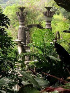 Inside Las Pozas, Edward James' Surrealist Garden in the Mexican Jungle,© Julia Faveri Places Around The World, Around The Worlds, Edward James, Big Garden, Garden Landscape Design, Landscaping Tips, Tahiti, Abandoned Places, Architecture