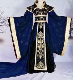 гадаю, в моєму розмірі це не шиють, або платтячка та інша краса - Mary Xmas: Бо я давно не вірю в силу слова