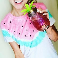 Our Pineapple sipper is HOT! Click here to shop now for the perfect Summer essential! pc: @aboutabbyy
