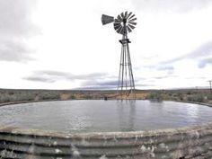 Ons het heerlik saam met die plaasmaatjies in die damme in die Karoo geswem. Dit was op plase soos Bo-tuin, Wilgerboom, Vaalhoek, ens. Windmills, South Africa, The Good Place, Photographs, Landscape, Country, Architecture, Awesome, Places