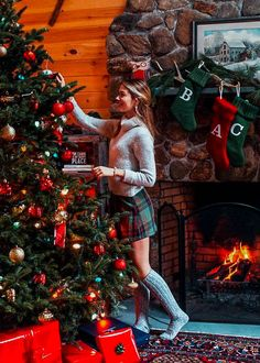 Create bright and light creative photo editors for this holiday season with the help of Red Christmas. Make it brighter + add colors to your internal or external Christmas decoration images with one click! These preservatives help warm the interior lighting and enhance the holiday light. Create amazing photos and increase your influence in Instagram. Cute Christmas Pajamas, Preppy Christmas, Christmas Mood, Noel Christmas, Merry Little Christmas, Christmas Sweaters, Christmas Outfits, Christmas Morning Outfit, Preppy Winter