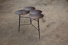 Noam Dover et Michal Cederbaum : Saj Tables - MUUUZ - Architecture & Design