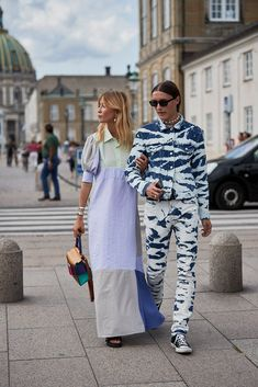 All the Must-See Street Style Looks From Copenhagen Fashion Week Spring 2020 - Daily Fashion Copenhagen Street Style, Copenhagen Fashion Week, London Fashion, Street Style Trends, Spring Street Style, Street Style Looks, One Dapper Street, Campaign Fashion, Cool Street Fashion