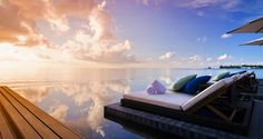 Spectacular sunsets at the Jumeirah Dhevanafushi, Maldives. By Hotelied.