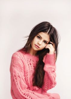 Selena Gomez is a American actress, singer, and producer Selena Marie Gomez is an inspiration for the youth of the country. Selena Gomez Fashion, Fotos Selena Gomez, Selena Gomez Style, Selena Gomez Tumblr, Selena Gomez Photoshoot, Selena Selena, Selena Pics, Selena Gomez Natural, Pretty People