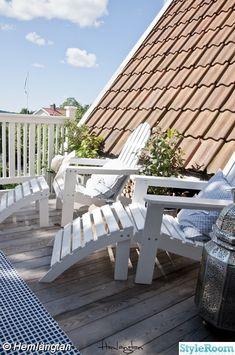 Up on the roof ~ Tiny Balcony, Porch And Balcony, Outdoor Balcony, Balcony Design, Outdoor Rooms, Outdoor Living, Outdoor Decor, Balcony Furniture, Outside Patio