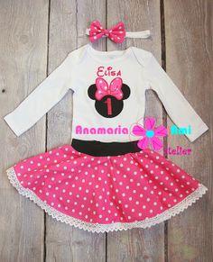 Costumas aniversar Minnie fucsia by Anamaria Ami embroidery name