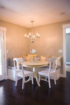 great use of space an I love the how intimate this dining can be.