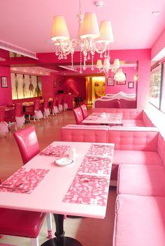 barbie cafe taiwan