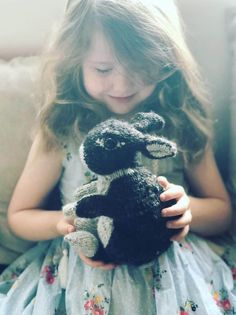 How to knit a bunny rabbit - free pattern and step by step tutorial - From Britain with Love