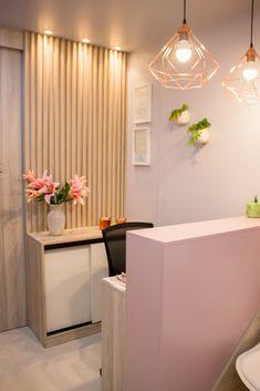 Home Beauty Salon, Beauty Salon Decor, Home Salon, Beauty Salon Interior, Spa Room Decor, Beauty Room Decor, Home Decor, Boutique Interior, Esthetics Room