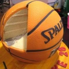 Basketball party ideas include basketball cake, cake pops, cupcakes and candies Oestreich Oestreich Spoon, we could do this right? I'm thinking smaller though, since i plan to have a football cake as well Pretty Cakes, Cute Cakes, Beautiful Cakes, Amazing Cakes, Basketball Party, Basketball Birthday, Basketball Cakes, Soccer Ball, Basketball Finals