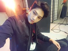 Starcast has been going crazy posting Myungsoo selcas.